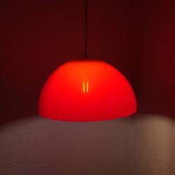 Rød vintage pendel i akryl